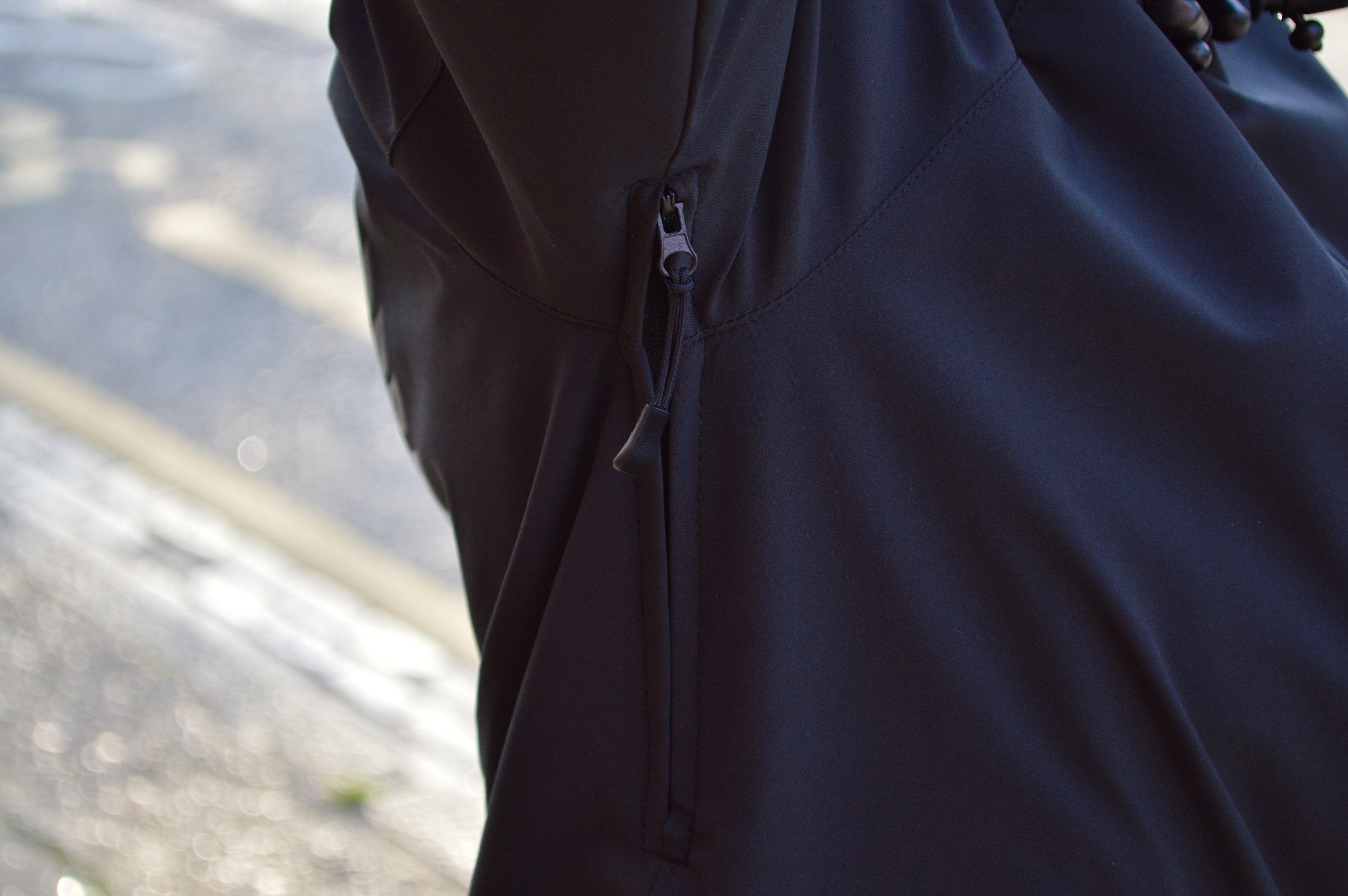 4RIZ WATERPROOF JACKET – THE FIXED LIFE